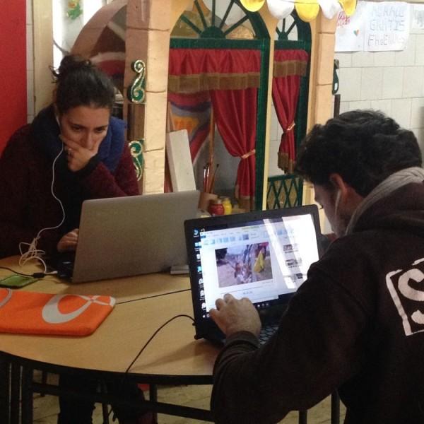Laura e Roberto durante a edição, workshop 2